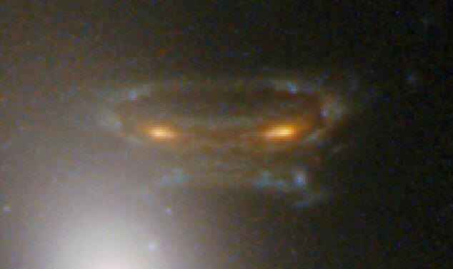 Космический пришелец — лишь искаженное изображение галактики
