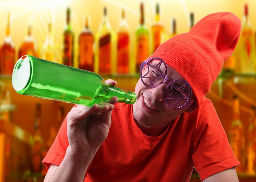 Если все выпить в новогоднюю ночь, то утром не будет чем опохмеляться