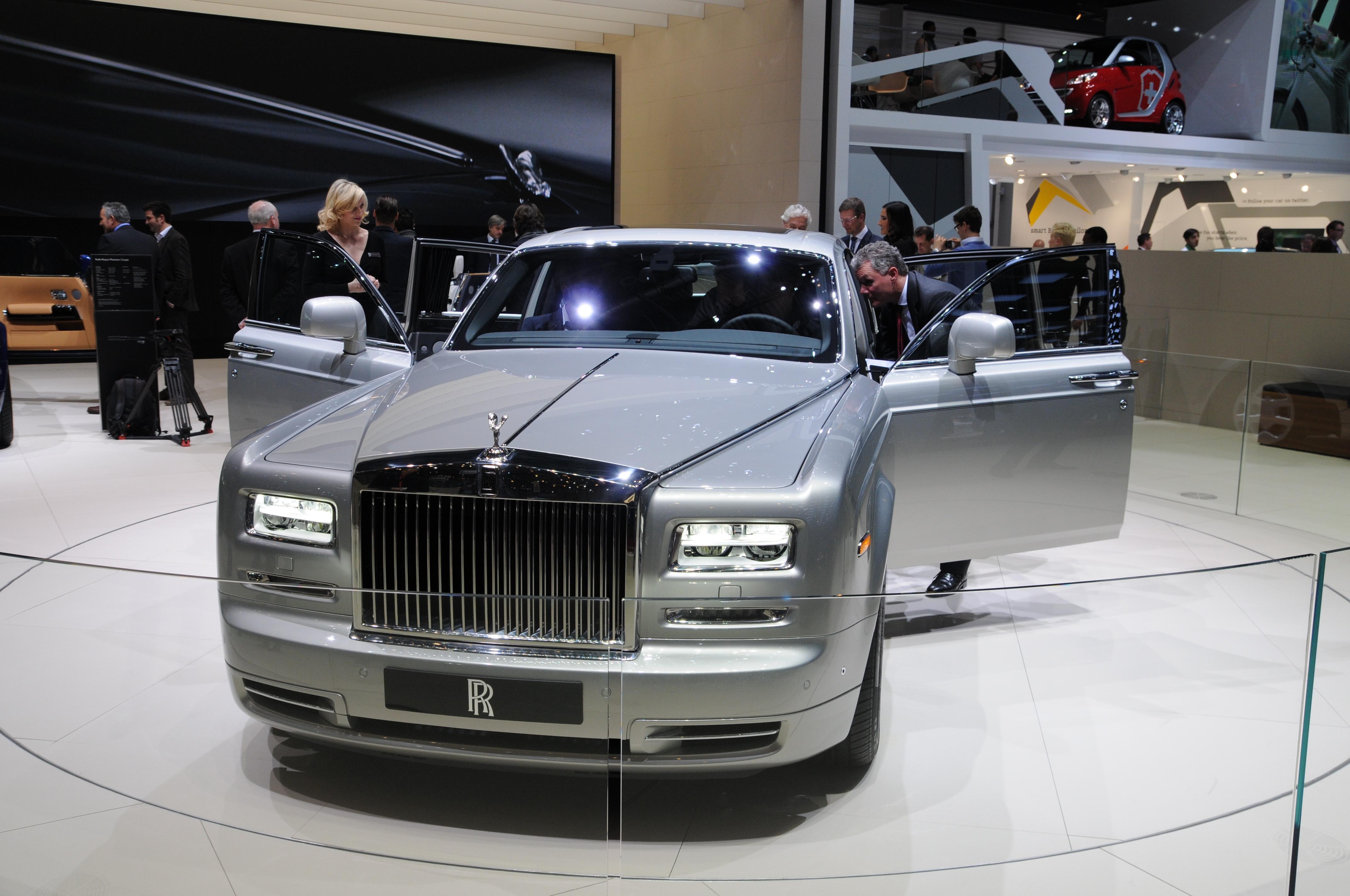 Rolls-Royce Phantom  (иллюстративное фото)