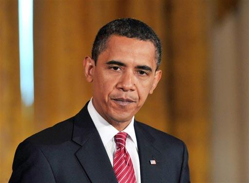 Президент США Барак Обама также выразил соболезнования.  «Мишель и я глубоко опечалены известием о кончине Стива Джобса. Стив был одним из величайших американских изобретателей — достаточно храбрым для того, чтобы мыслить иначе, чем все, достаточно смелым, чтобы верить в то, что он может изменить мир, и достаточно талантливым, чтобы осуществить это. Сделав компьютеры персональными и уложив интернет в наши карманы, он обеспечил доступность информации каждому из нас и сумел произвести информационную революцию так, чтобы она была понятна на интуитивном уровне и приносила людям радость. Стив любил говорить, что жил каждый день так, словно это был его последний день. И благодаря этому он изменил нашу жизнь, бизнес и сумел достичь редчайшего в человеческой истории свершения: он изменил то, как каждый из нас смотрит на мир».