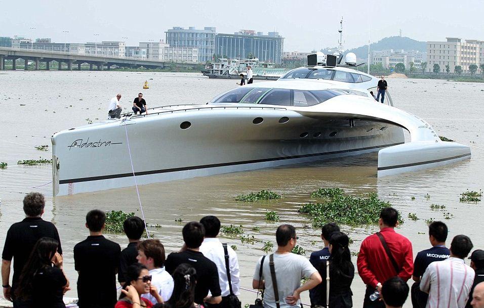 42-метровая яхта впечатляет своей красотой