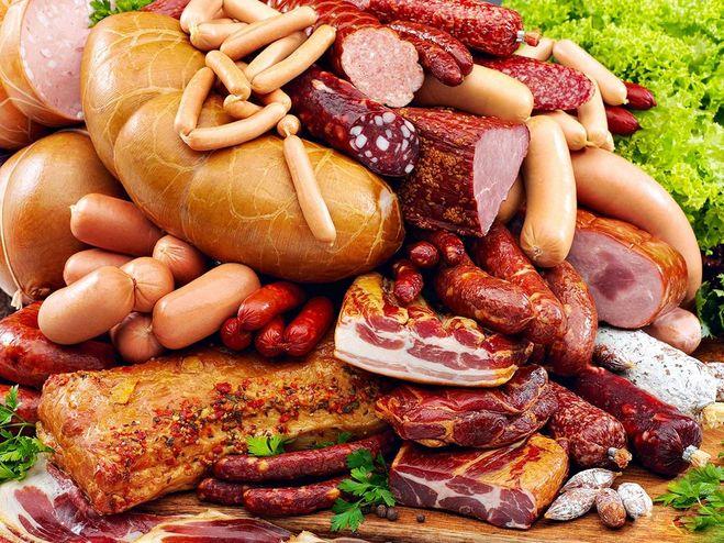 Колбаса и копчености - самый богатый источник консервантов