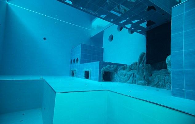 Бассейн Y-40 The Deep Joy: самый глубокий в мире