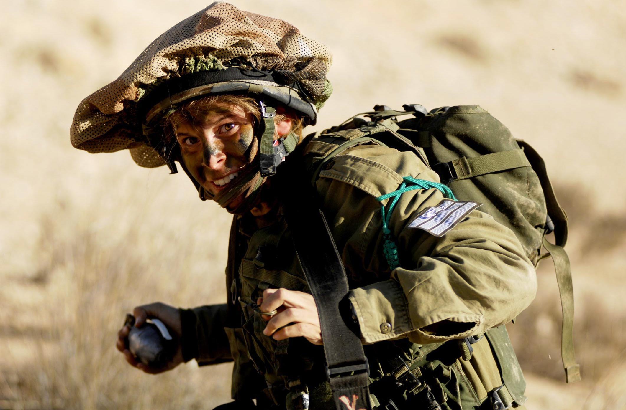 Теперь гранаты в руках израильтян (и израильтянок) станут безопаснее. Для израильтян, но не для врага