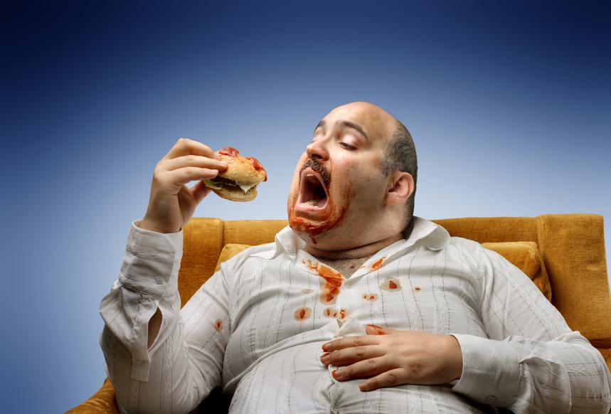 Переедание и нездоровая пища — самые частые причины избыточного веса