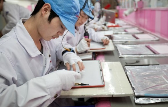 На одном из заводов, производящих iPad, расследуют смерть 15-летнего работника