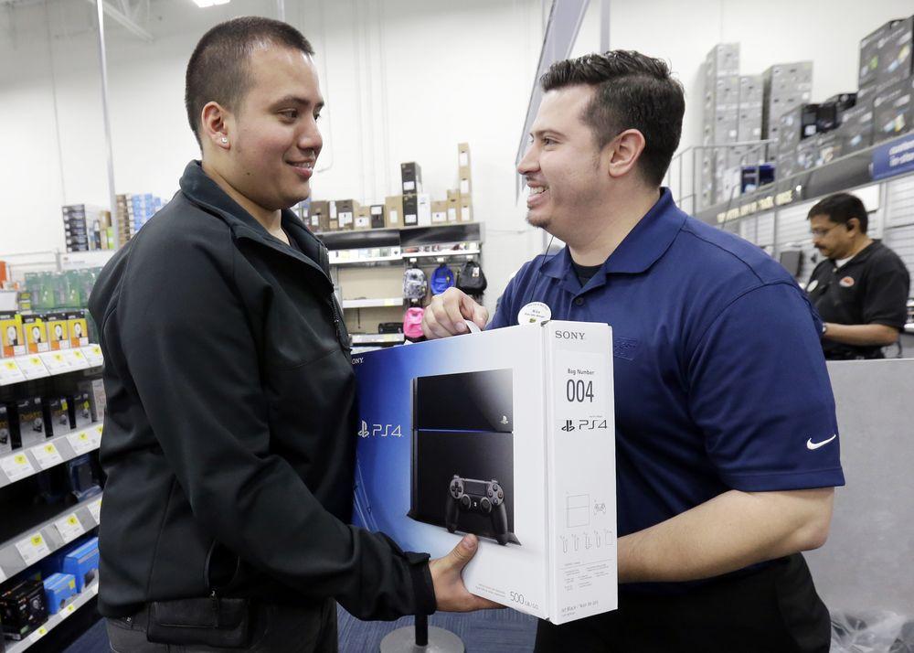 Первые покупатели Playstation 4
