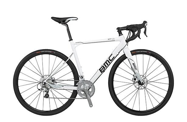 Кроссовый велосипед BMC Granfondo GF02 Disc. Машина с улучшенной тормозной системой и завидной маневренностью. Отличная вещь для дальних велокроссов. Цена – $2499