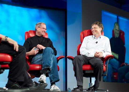 Стив Джобс и Билл Гейтс шутят