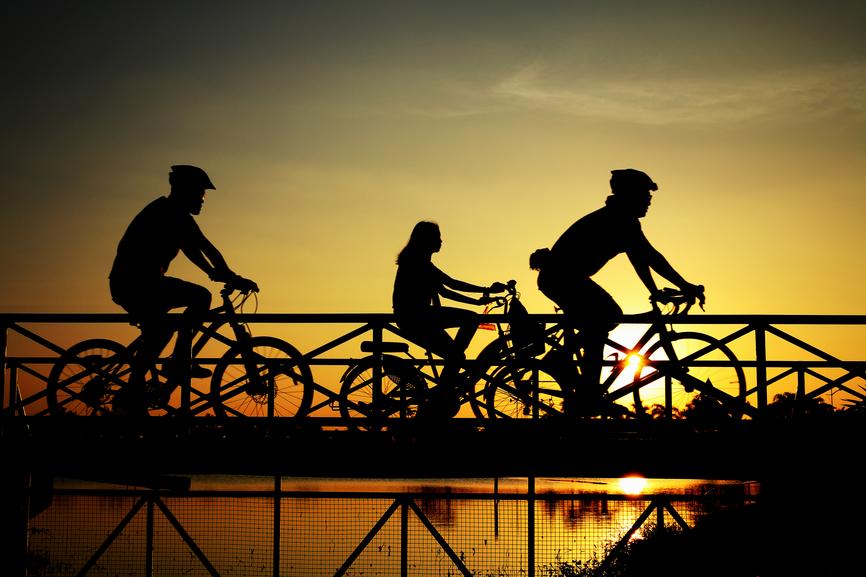 Лучше катайся на велосипеде, а не сиди перед телевизором по вечерам