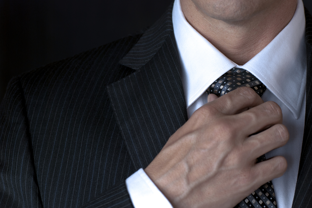 Манжет рубашки должен выступать на 1,5 сантиметра
