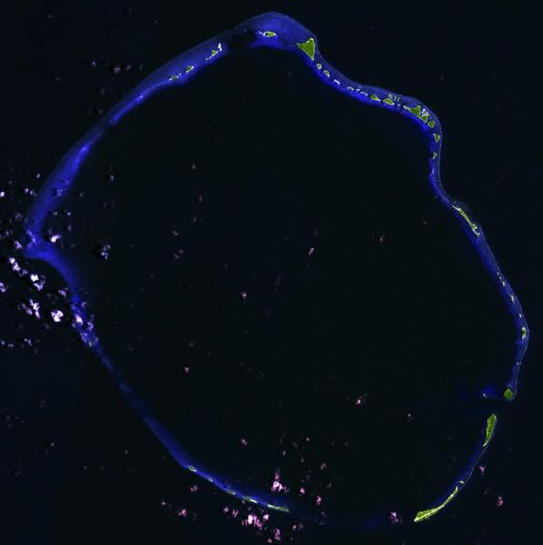 Воронка от взрыва. Вид из космоса