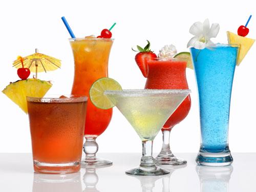 Сладкие коктейли способствуют ускорению спирта