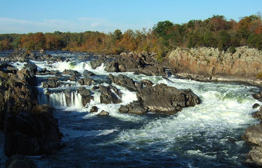 Во времена гражданской войны США (1861-1865) был смелый генерал Роберт Ли, который дважды пересекал реку Потомак