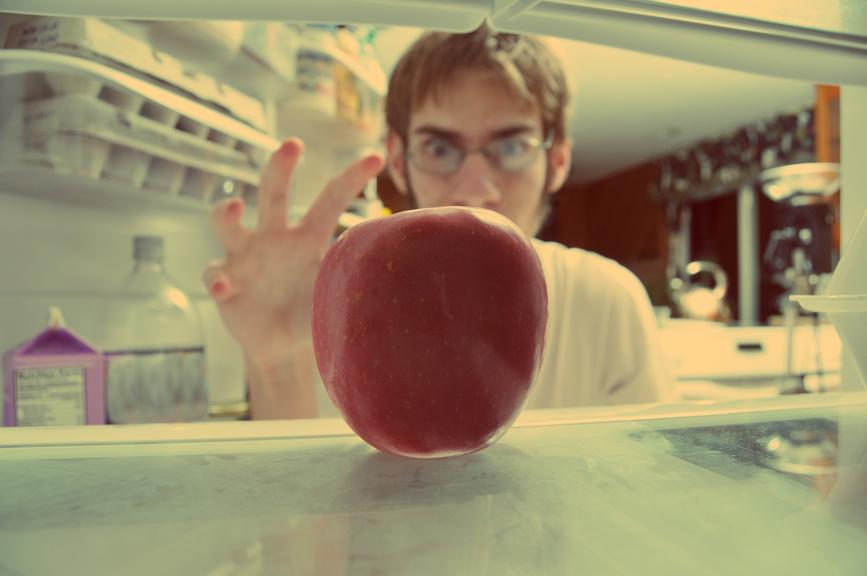 А что ты хранишь в холодильнике на работе?