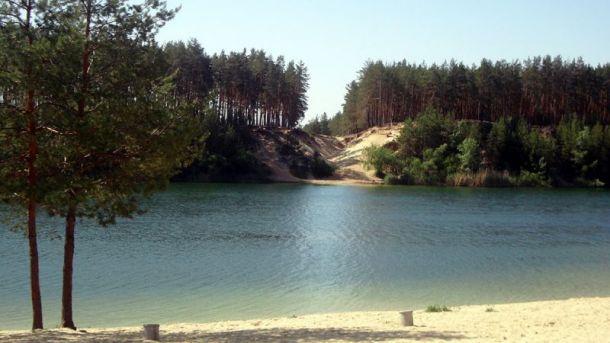 Вода в Голубых озерах никогда не застаивается