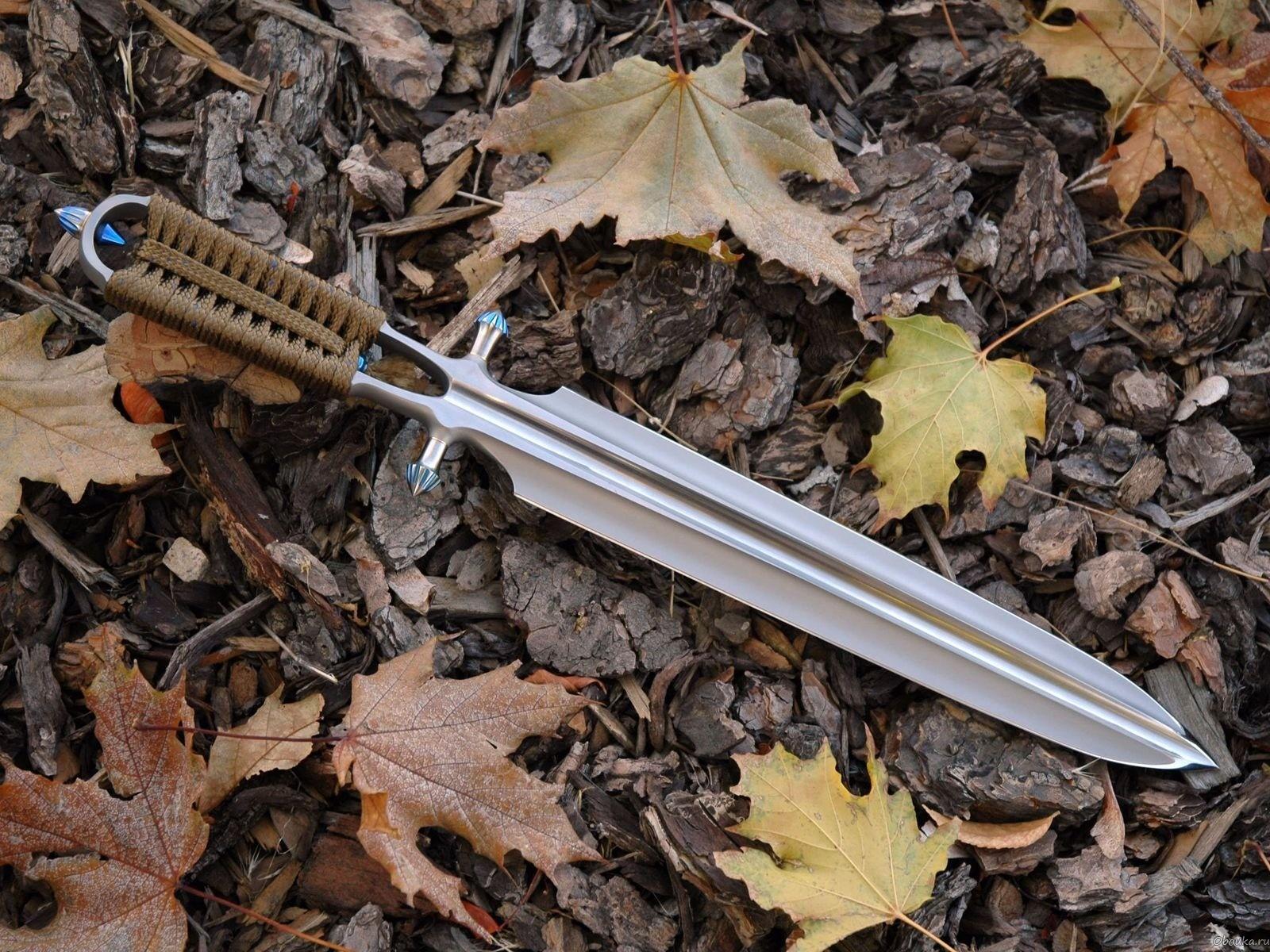 Метательный нож. Клинок такого всегда тяжелее рукояти