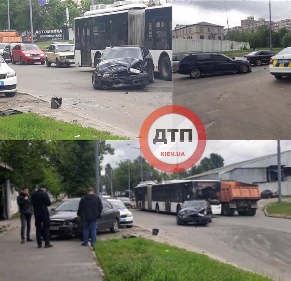 В Киеве горел бусик, а ДТП блокировали трассу: Сводка за 2 июня