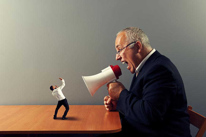 Спорить со старшими по званию - самое бесполезное, что ты можешь себе позволить