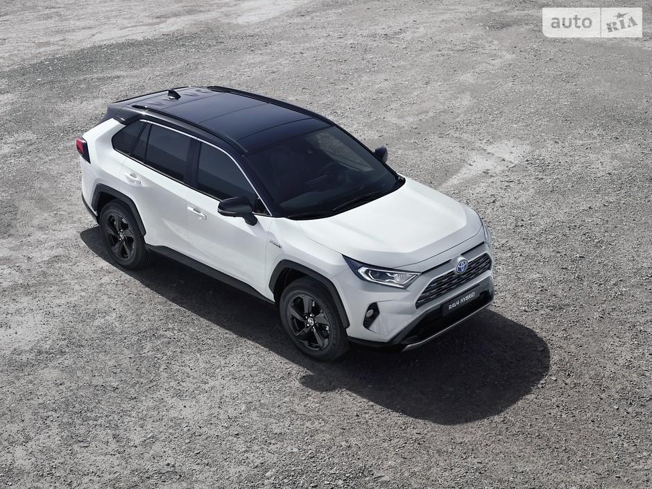 Toyota RAV4 (190 118 проданных авто)