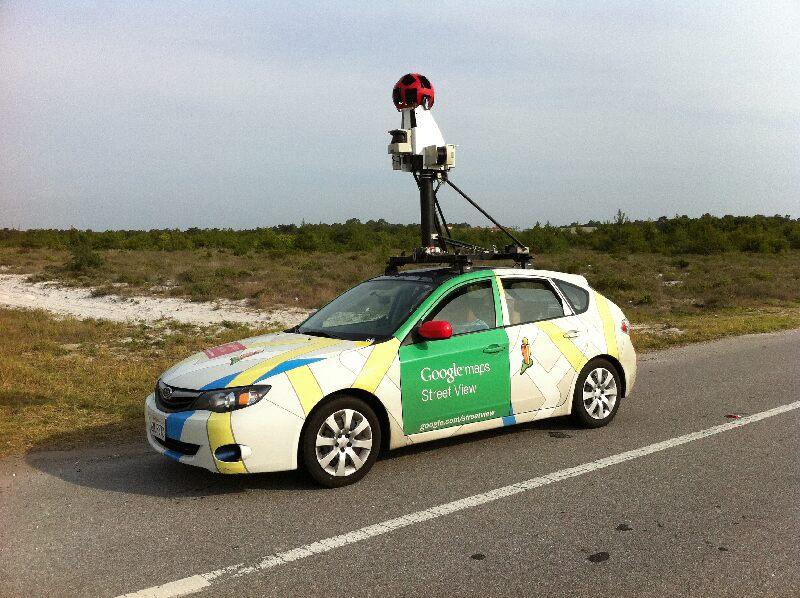Гугломобиль, снимающий панорамы улиц