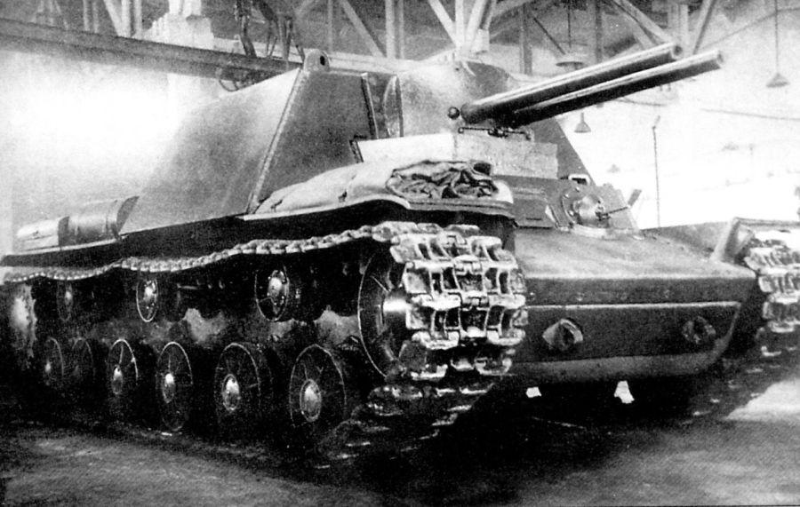КВ-7 с кучей бестолковых пушек