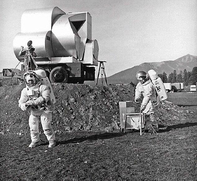 Астронавты сначала покоряли пустыню в Аризоне
