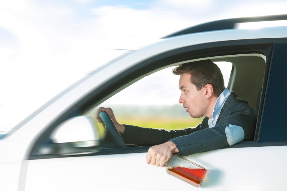 Садиться за руль в пьяном виде лучше не надо