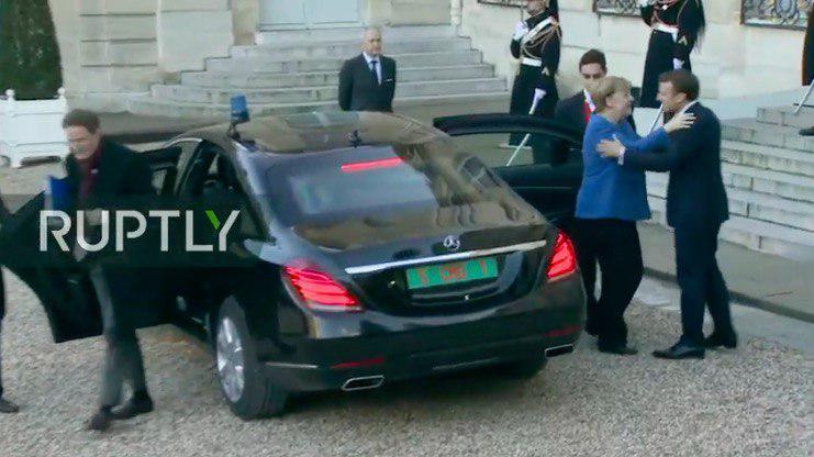 Канцлер Германии Ангела Меркель приехала на бронированном Mercedes S-Class W222