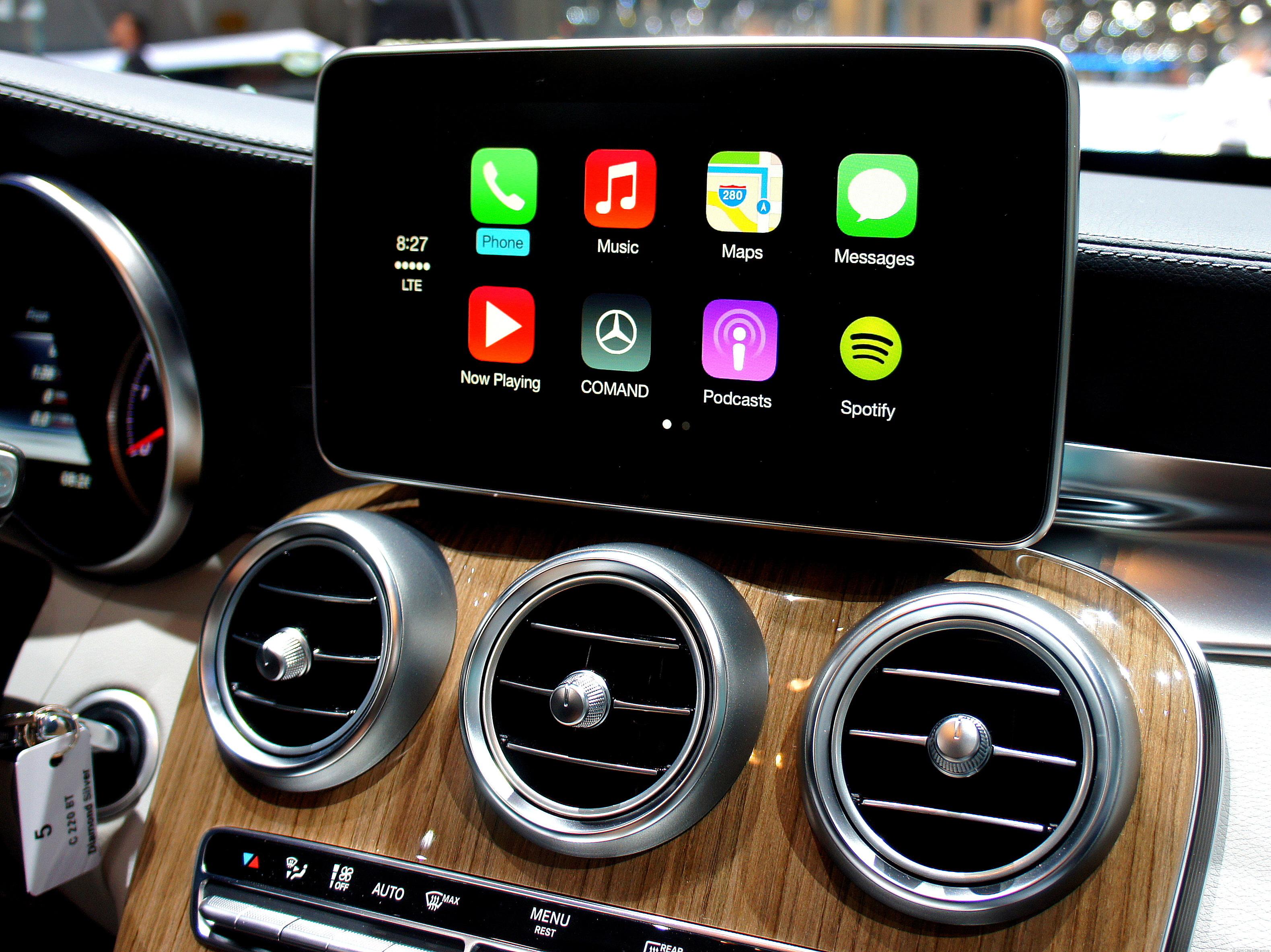 Все начиналось с CarPlay - системы синхронизации iPnone с автомобилем