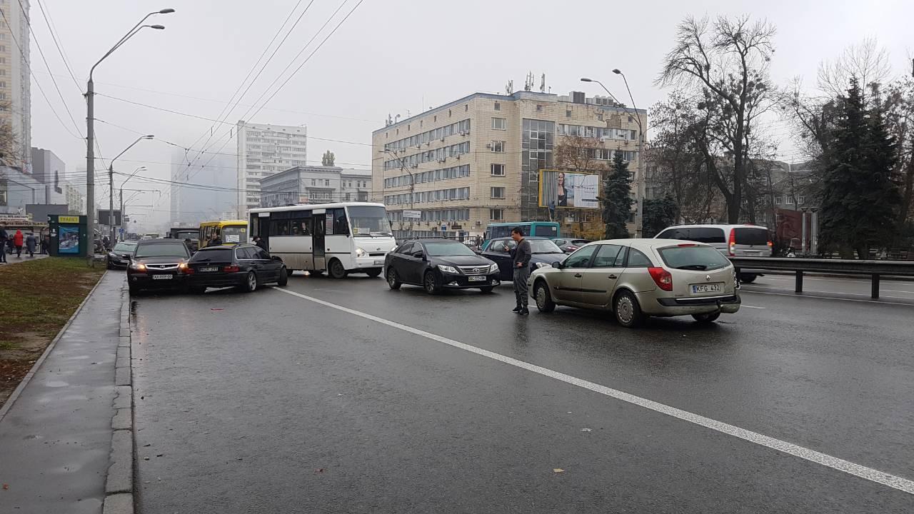 В ДТП пострадало 5 автомобилей