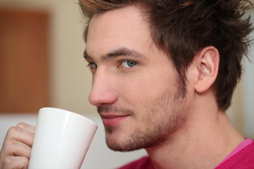 Кофе по утрам поднимает настроение