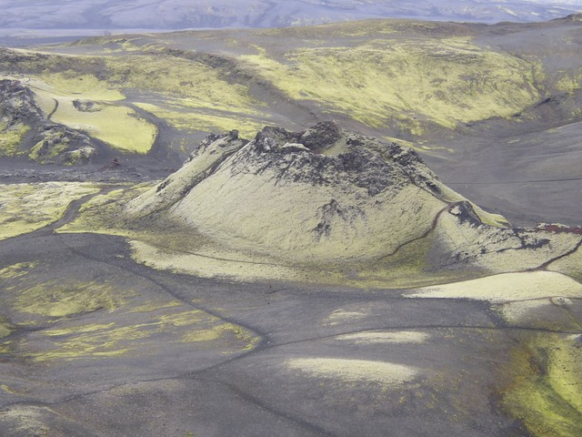 Лаки затопил лавой Исландию
