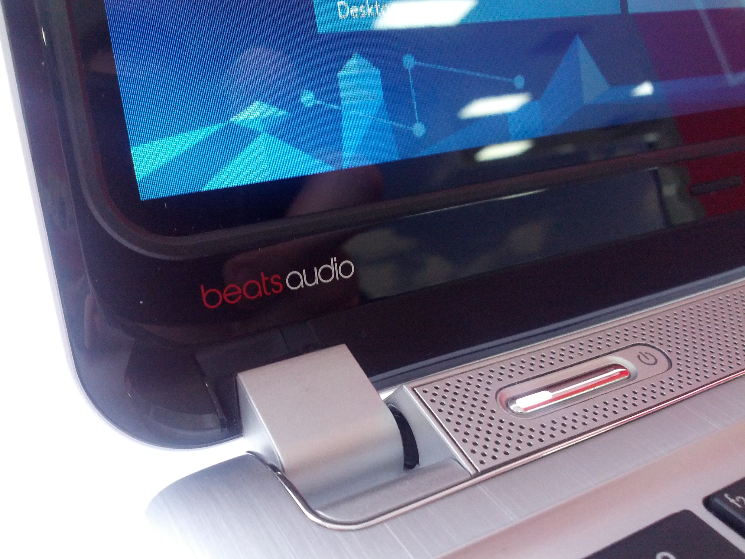 HP ENVY 13 Spectre XT - фирменная аккустика BeatsAudio