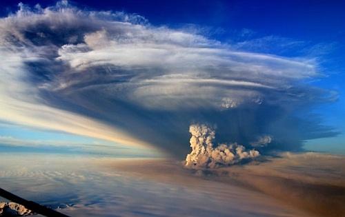 Вулкан Гримсвотн перед извержением сдвинул землю на полметра