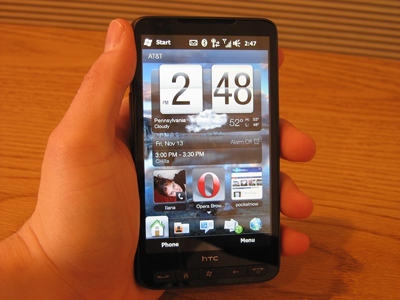 Девятую строчку ТОПа занял еще один смартфон производства HTC. Это новичок HTC HD2.