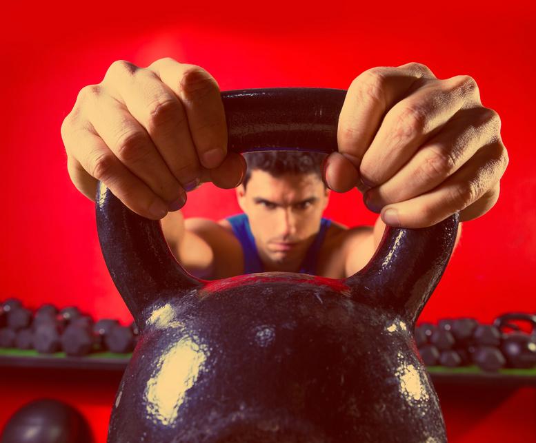 А ты знаешь, как быстро накачаться упражнениями с гирей?