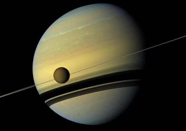 На Титане — луне Сатурна — обнаружили инопланетный шторм
