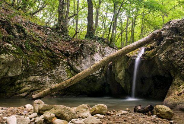 Кок-Асан - это 4 внушительных водопада с множеством каскадов-порогов