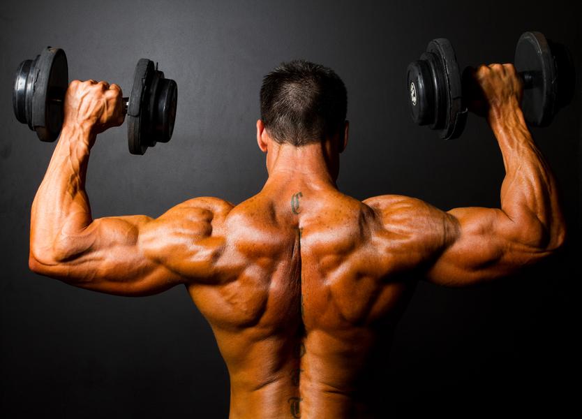 Гантелями рекомендуется добивать мышцы после выполнения базы