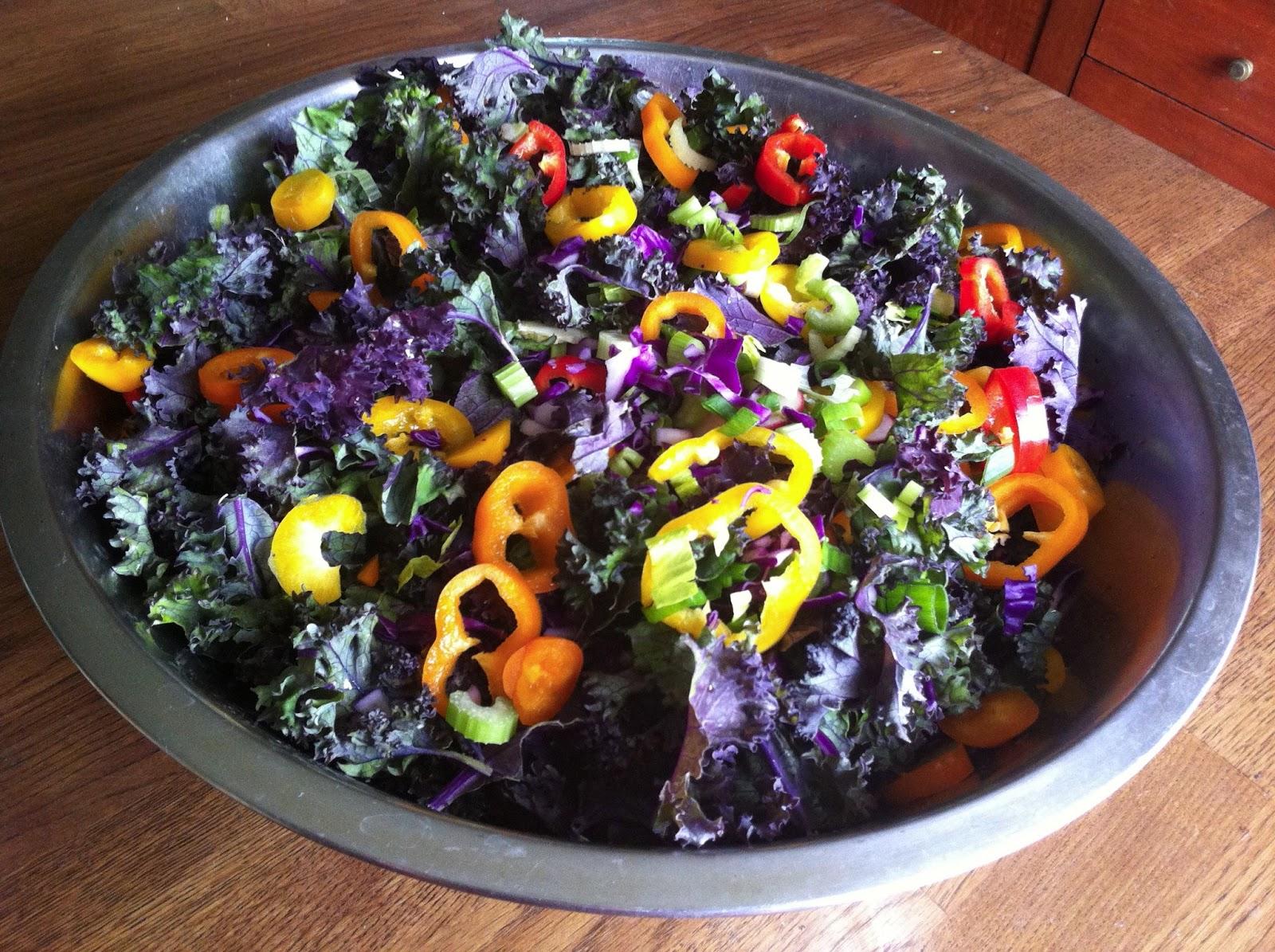 Чем больше цветов, тем здоровее салат