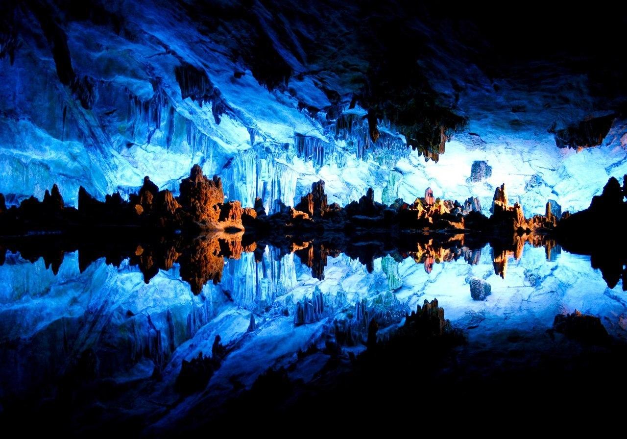 Пещера тростниковой флейты, Гуанси, Китай