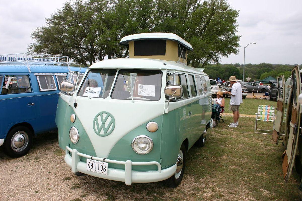 VW Camper Van - Камерон Диас