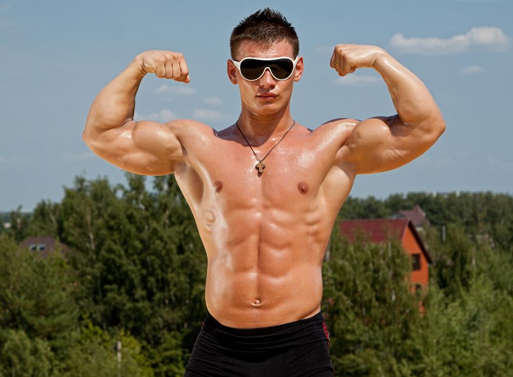 Огромные мужские тела