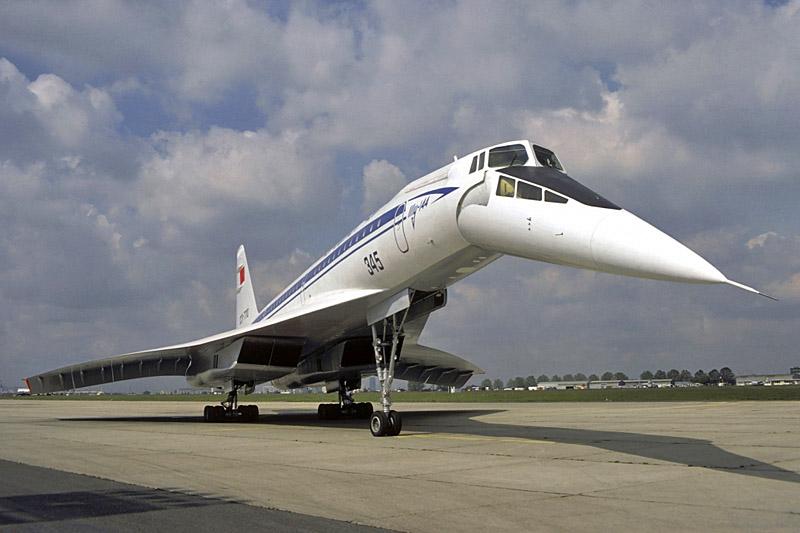 Самый продолжительный беспосадочный регулярный рейс Ту-144 - Москва-Хабаровск протяжённостью 6250 км