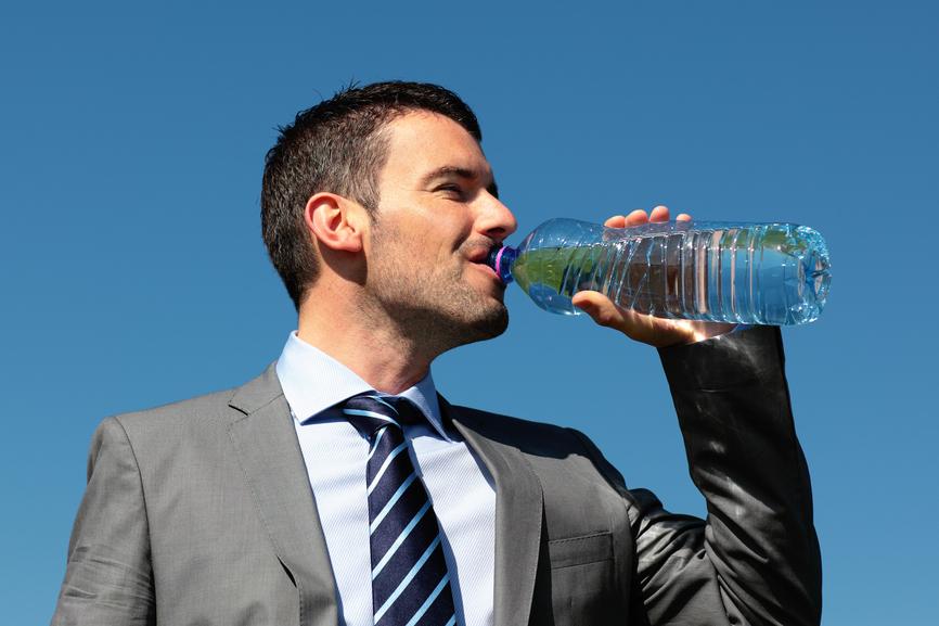 Суточная норма воды - не меньше 2 литров