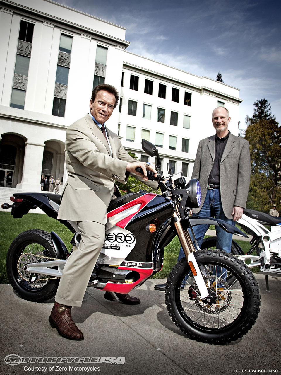 Шварценеггера признали Мотоциклистом года 2010