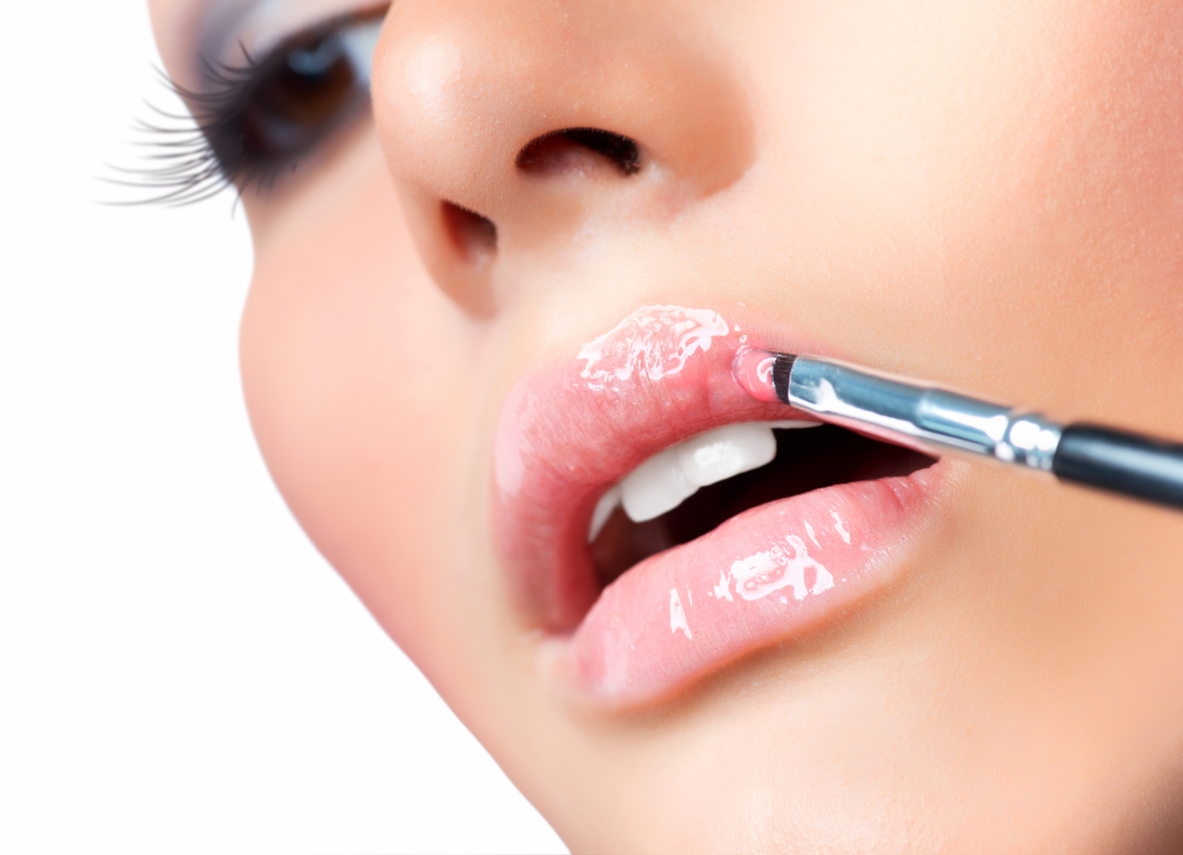Смотреть Тонкие губы: как их правильно красить видео