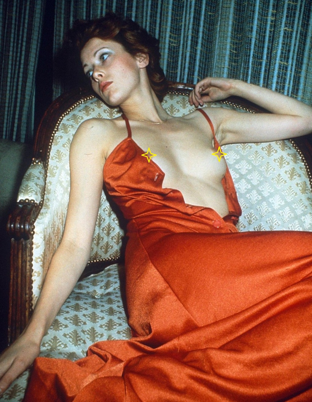 Эротика эммануэль актрисы 26 фотография