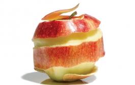 Кожура яблок тоже полезна. А вместе - они сила